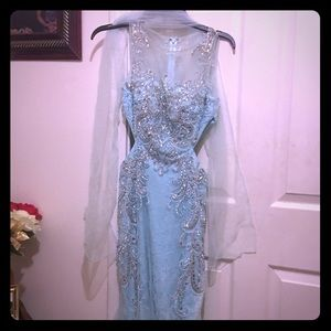 Beautiful Prom dress (only worn once)